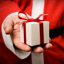 Santa Signs His Way Into Shoppers' Hearts at intu Metrocentre