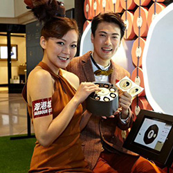 Shoppers Get Portraits Etched in Chocolate